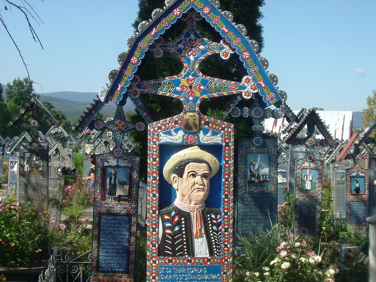 dracula-tours-merry-cemetery